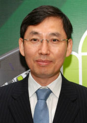 President-&-CEO-of-Samsung-India-BD-Park