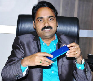 Chairman-and-Managing-Director-Celkon-Mobiles-Y-Guru
