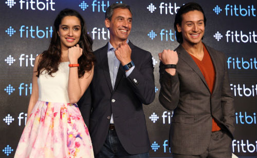 Fitbit announces nationwide availability of its full line of top-selling activity and sleep-tracking products in India 1