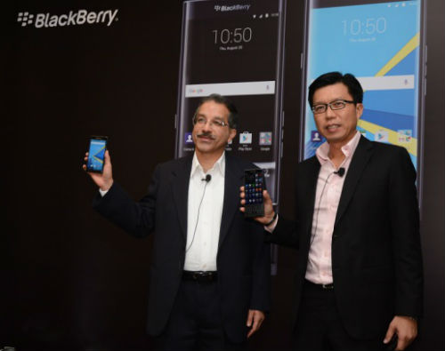 "BlackBerry rolls out its first android based smartphone ""PRIV"" 7"