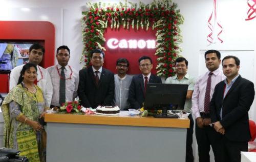Canon India launches Canon Image Square (CIS) store in Noida 9