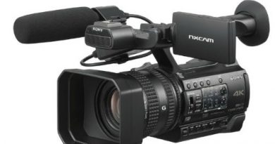 Sony handheld NXCAM Camcorder HXR-NX200