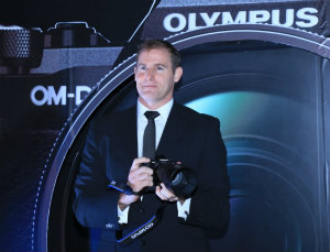 Olympus-mirror-less-camera-E-M5-Mark II